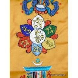 Tenture tibétaine 5 symboles bouddhistes safran TENCS4