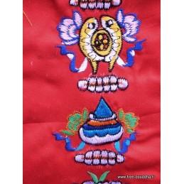 Tenture tibétaine 8 signes auspicieux rouge AUS4