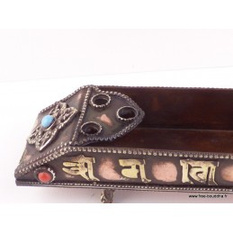 Porte encens tibétain orné de mantras BETP10