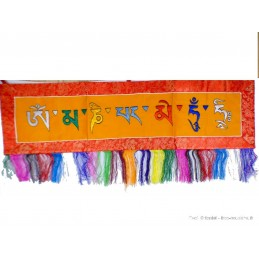 Tenture tibétaine Om mani pedme hung safran rouge OMPH9